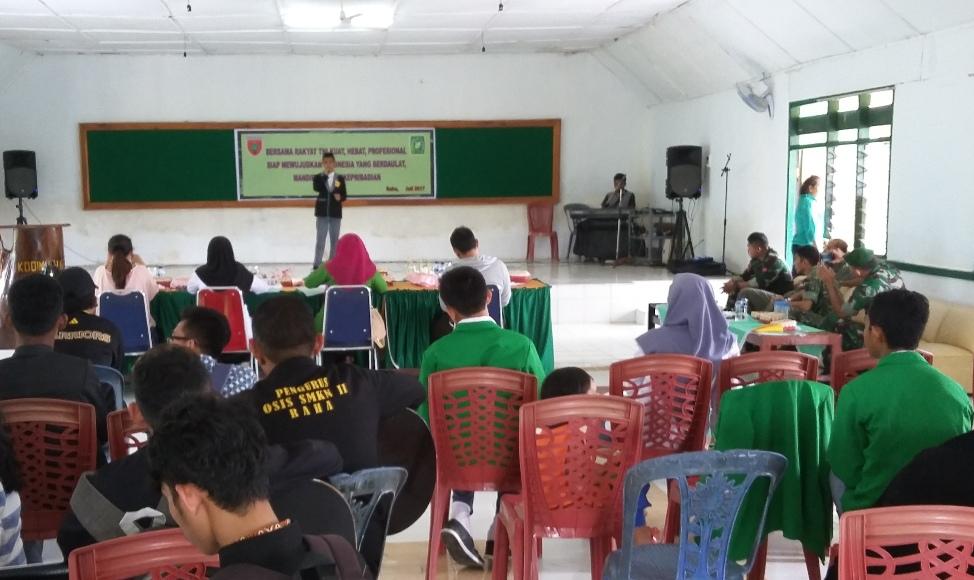 Lomba baca Puisi dan nyanyi tingkat SMP dan SMA yang di gelar Kodim 1416 Muna. FOTO : LA ODE AWALUDDIN