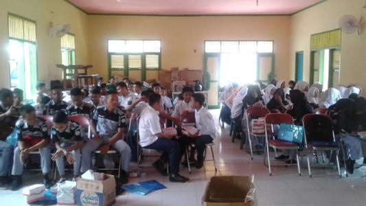Sosialisasi penyala gunaan dan peredaran gelap Narkoba terhadap pelajar yang di gelar Dinas Sosial Kabupaten Aceh Singkil. FOTO : MAN