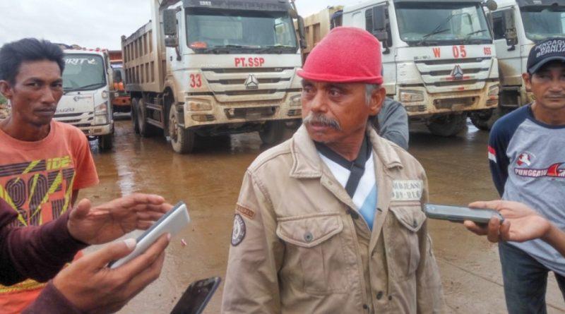 """PT VDNI Dituding """"Bohongi"""" Warga Morosi, Aksi Blokade Berlanjut"""