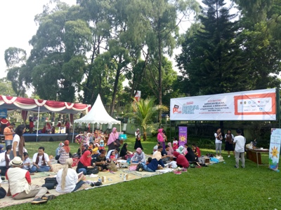 Festival Publik Pesta Pendidikan Gelar Piknik Bersama keluarga dan Komunitas. FOTO : NADHIR