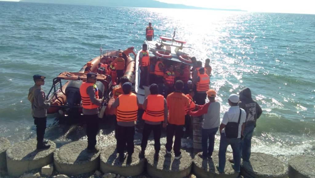 Pencarian Nelayan di Batauga Turut Libatkan Satpol PP dan Dinsos