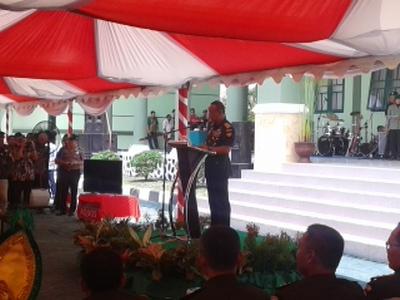 Kepala Staf Angkatan Darat Jenderal TNI Mulyono saat memberikan sambutan di peresmian Makorem 143 Haluoleo. FOTO : ONO