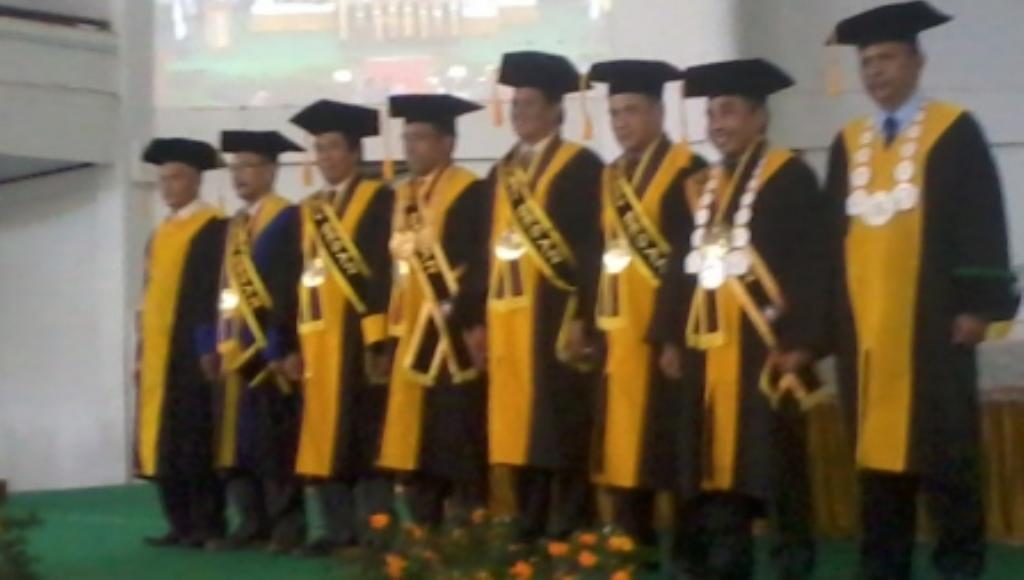 Tiga Guru Besar Universitas Haluoleo Dikukuhkan