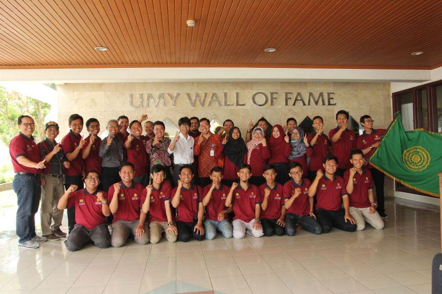 Sebanyak 30 mahasiswa yang tergabung ke dalam 4 tim Program Kreatifitas Mahasiswa (PKM) Universitas Muhammadiyah Yogyakarta (UMY) siap berlaga di ajang PIMNAS ke-30. FOTO : NADHIR ATTAMIMI