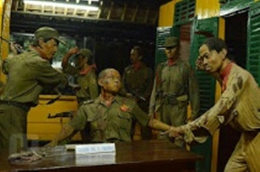 Patung yang menggambarkan akan kekejaman PKI terhadap petinmggi TNI AD tanggal 30 September 1965 di Museum Kesaktian Pancasila.