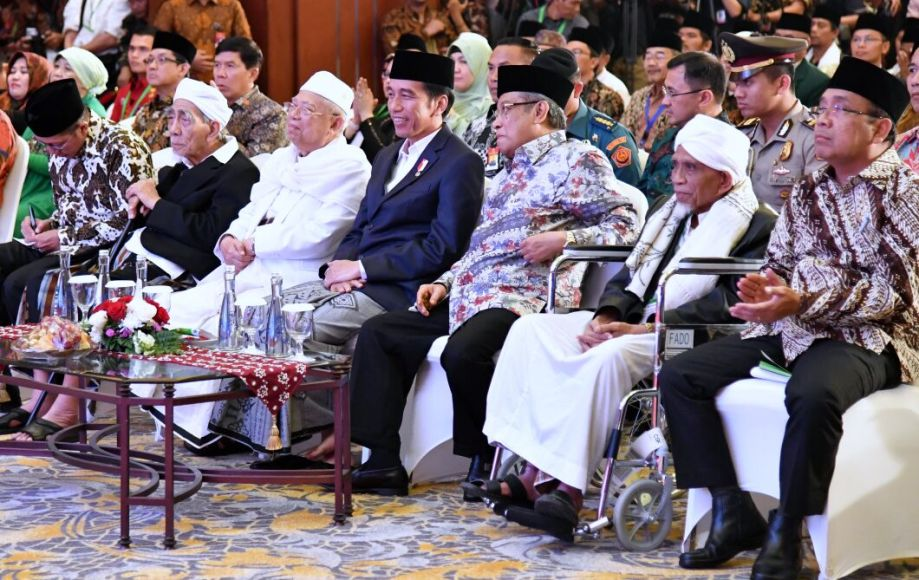 Presiden RI Joko Widodo saat menggelar pertemuan dengan para ulama dalam kunjungan kerjanya di Balik Papan Kalimantan Timur. FOTO : BIRO PERS KEPRESIDENAN