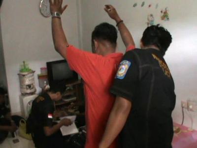 BNN dan Dirnarkoba Polda Sultra menggelar Razia Narkoba di sejumlah rumah kos-kos-san di Kota Kendari. FOTO : FT