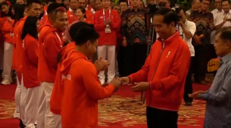 Presiden RI Jokowi Serahkan Bunus Peraih Medali Asian Games 2018