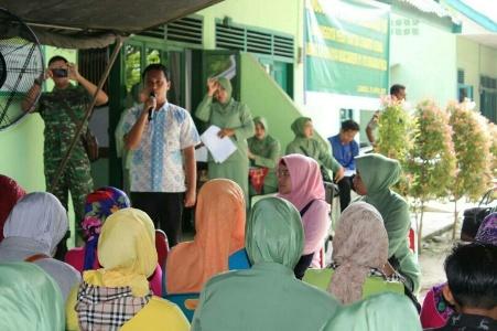 Persit Candra Kirana cabang XXI Koorcabrem 011/Lilawangsa PD Iskandar Muda gelar pemeriksaan kesehatan. FOTO : ROBY ISKANDAR