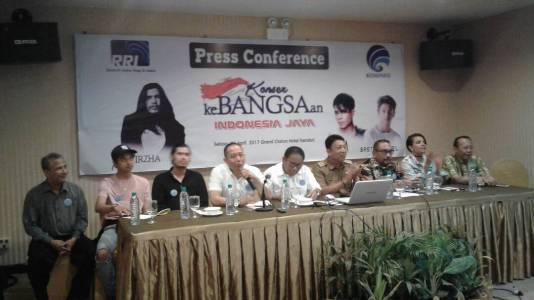 Direktur Utama RRI Pusat M. Rohanuddin saat mengeglar konprensi pers di salah satu hotel di Kendari FOTO : FA