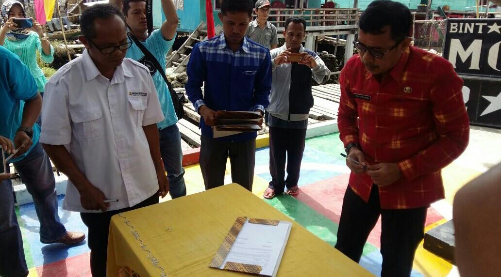 Melalui Program Ipal, Masyarakat Mola Diminta Jaga Lingkungan Laut