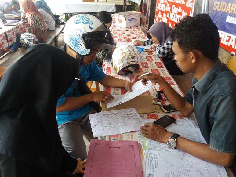 Penerimaan Siswa Baru di SMK Satria Kendari. FOTO : LM FAISAL