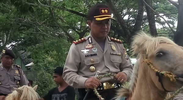 Ops Lilin 2017, Polres Muna Patroli Berkuda
