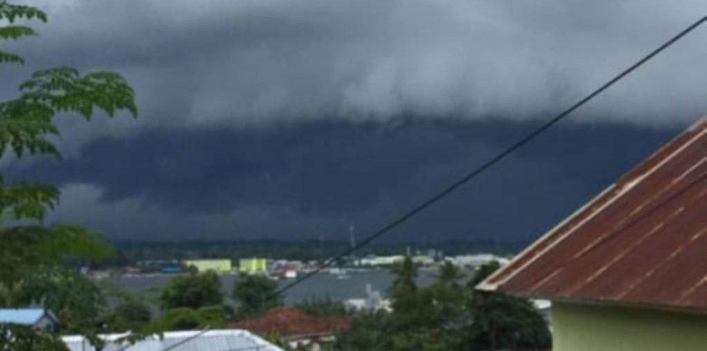Tsunami di Kendari, BMKG Imbau Warga Tidak Beraktivitas di Tempat Terbuka