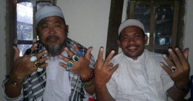 Haji ini Beli Batu Aki' di Pakistan karena Hoby