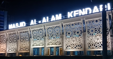 Diresmikan, Shalat Jumat Pertama Dilaksanakan di Masjid Al Alam Kendari