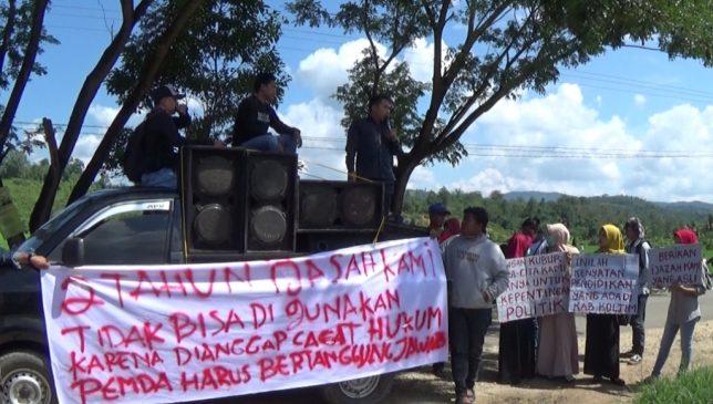 Orang Tua dan Alumni SMU/SMK di Koltim Demo DPRD Koltim