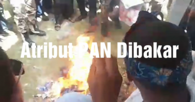 Video Atribut PAN Dibakar di Muna Barat