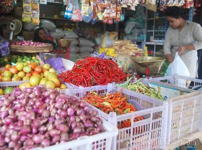 Sebulan menjelang Ramadhan, harga sembilan bahan pokok di pasar-pasar tradisional mulai merangkak naik. FOTO : DSW