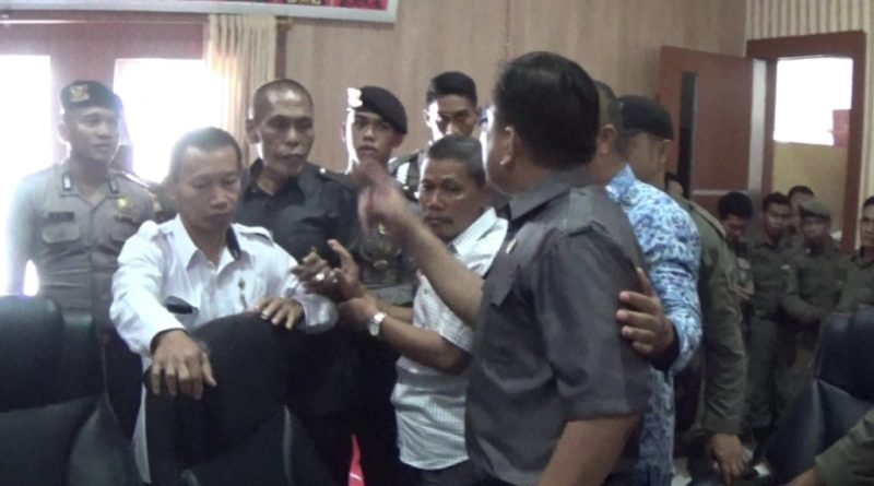 Anggota DPRD Kolaka Beda Pendapat Karena Penggunaan Jalan Untuk Tambang