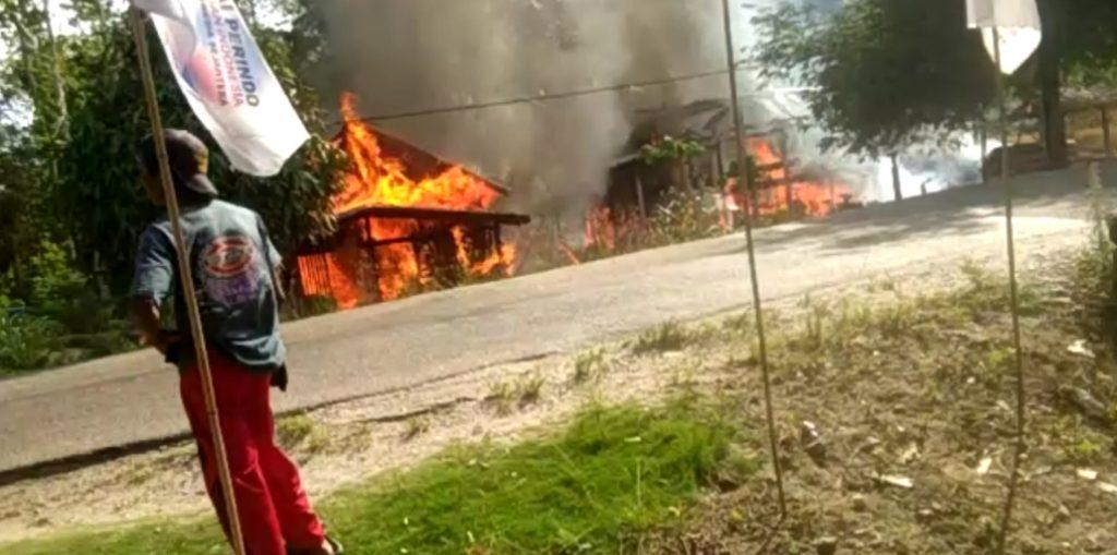 Dua Rumah Ludes Terbakar di Koltim, Ini Penyebabnya