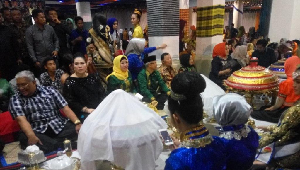 Ribuan Warga Sultra Meriahkan Pesta Rakyat, Ali Mazi Lounching Garbarata