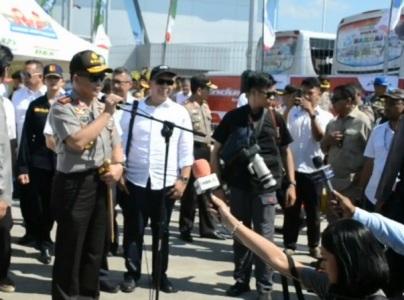 Kapolri Jenderal Polisi Tito Karnavian saat melakukan kunjungan kerja di Brebes dan memberikan keterangan pers terkait mudik tahun ini akan lebih baik dari tahun sebelumnya. FOTO : NURAKHMAWATI