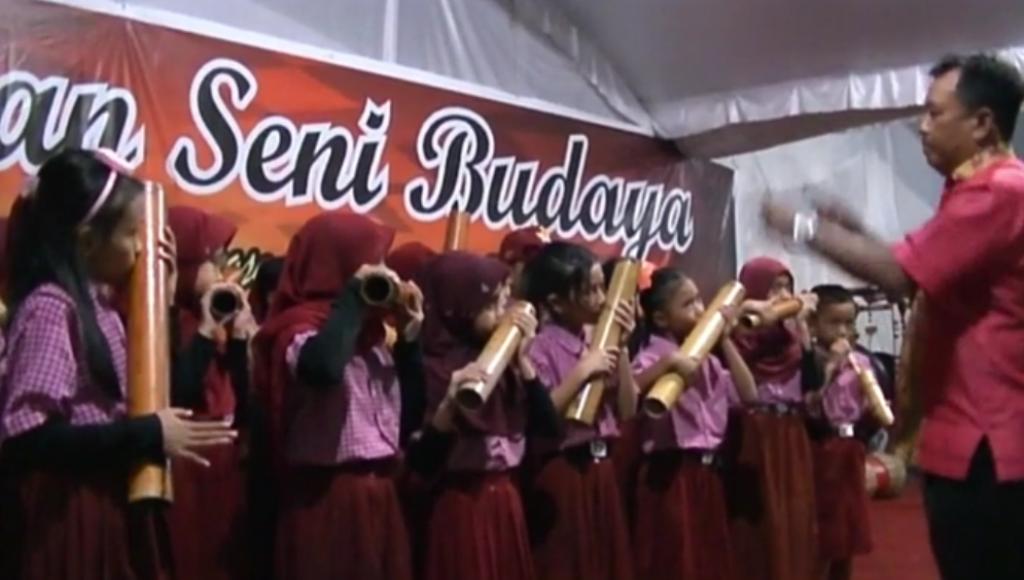 Musik Bambu, Hibur Pagelaran Budaya KPU Konsel