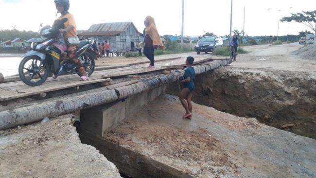 Jalan Desa Lagasa Ambruk, Pemkab Muna Belum Bertindak
