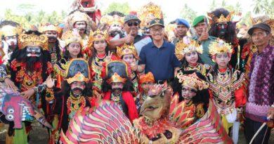 Sambut HUT RI ke 73, Buke Konsel Gelar Karnaval Budaya