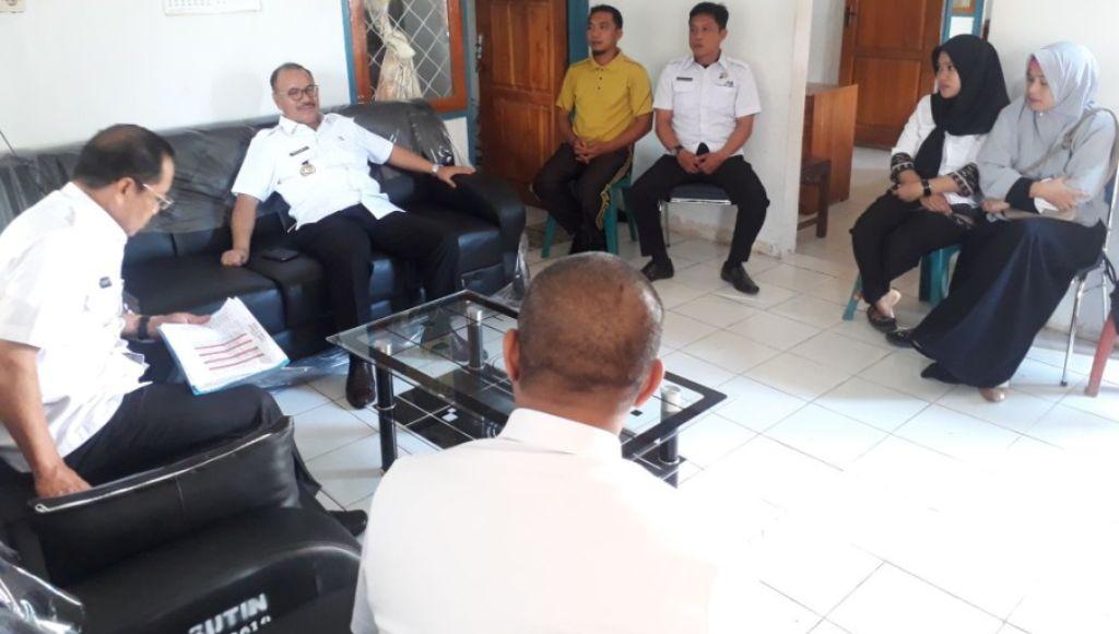Tidak Produktif, Bupati Konsel Bakal Evaluasi Pegawai Kelurahan Ranomeeto