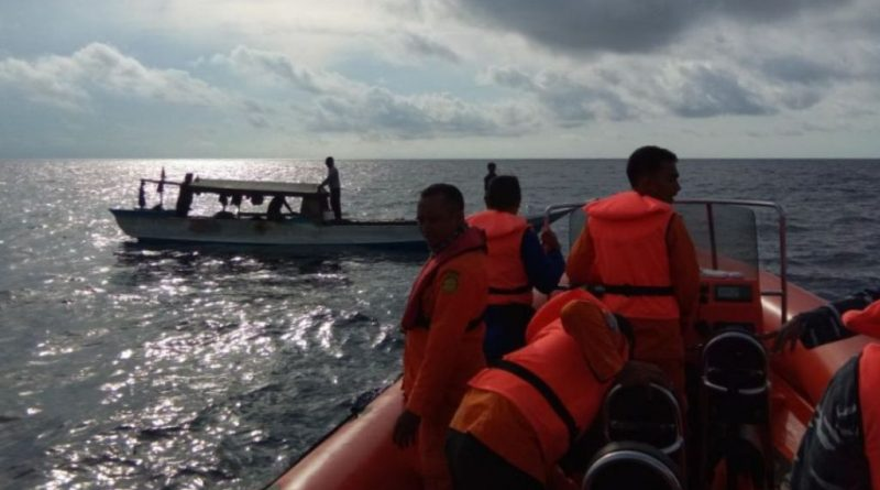 Mati Mesin di Perairan Wanci, Kapal Nelayan Dievakuasi