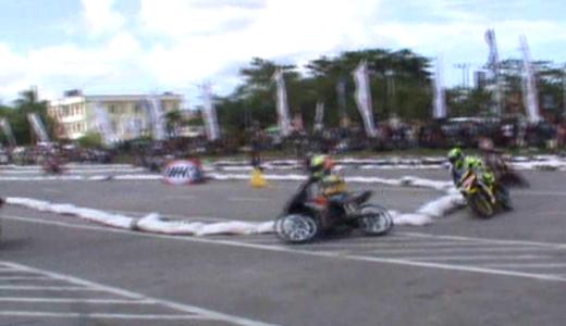 Kejuaraan Motor Prix region Sulawesi yang di helat di Eks MTQ Square Kendari. FOTO : FT