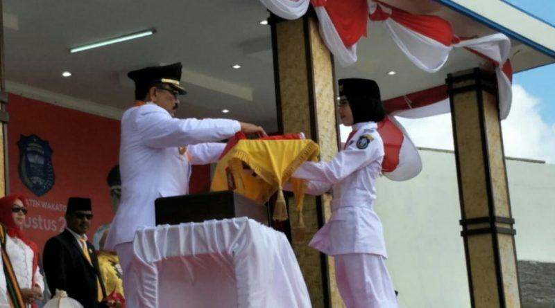 Tampil Beda, Satuan Paskibraka HUT RI Diapit Anggota TNI dan Polri