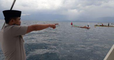 Sat Pol Air Bersama Polsek KP3 Raha Lakukan Pencarian Korban Tenggelam