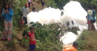 Sungai Kedung Wuluh Tercemar Limbah, Timbulkan Gelembung Busa 'Raksasa'